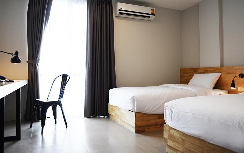 Easy hotel ที่พักลำพูน